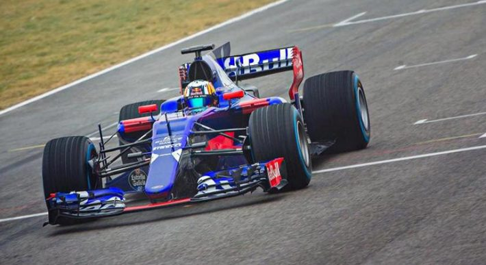 Carlos Sainz foi escolhido para registrar as primeiras voltas do STR12 (JCC)